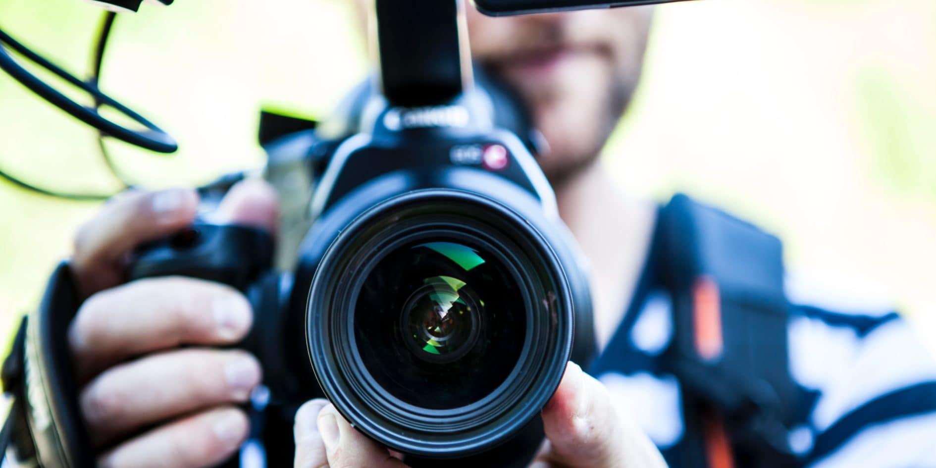 Photographe De Sport Un Objectif Troit